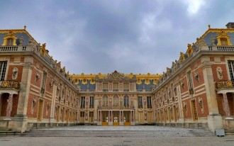 Guided Tour of the Palace of Versailles, Priority Access, starting from Versailles