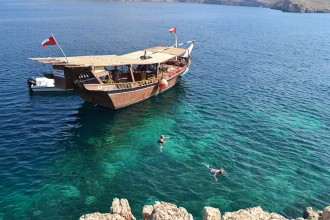 Dubai: Boat trip to Musandam with lunch included