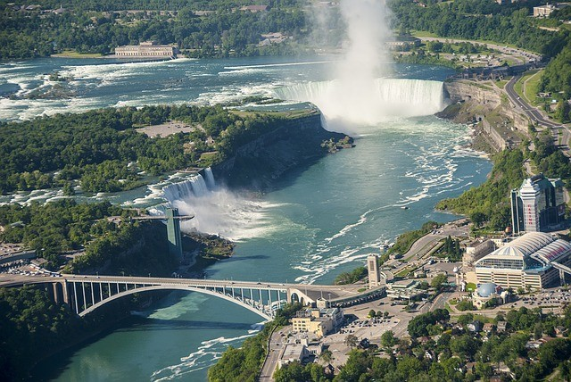 New York: Tour Niagara Falls (Canadian Side), Toronto, Washington D.C., Philadelphia, New York - 8 days