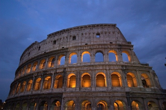 City Tour of Rome By Night with Private Guide (with Private Driver) available 3 hours