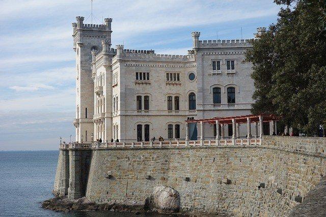 Tour di Trieste con Guida Privata a disposizione 3 ore