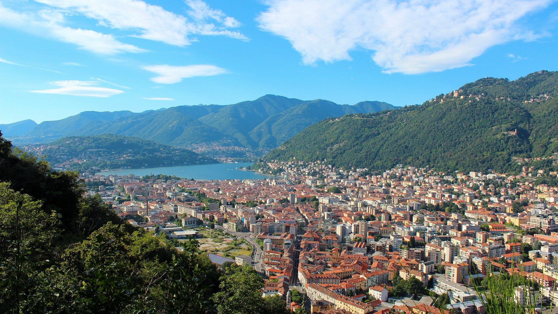 Winter Lake Como and Brunate Tour from Milan