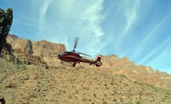 """Las Vegas: Grand Canyon bus tour and 30 minutes """"Helicopter Ride"""", south side"""