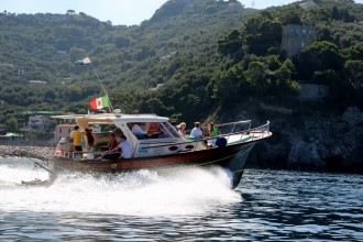 Discover Positano & Amalfi by boat from Sorrento