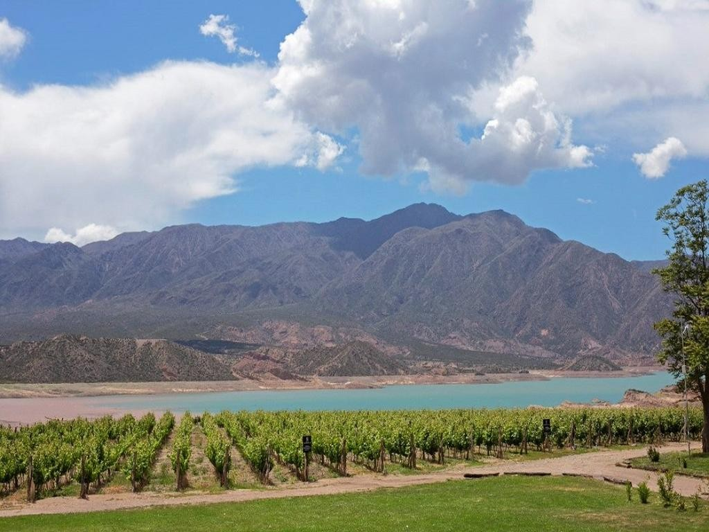 Classic Tour of Mendoza - 3 days / 2 nights