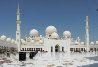 Abu Dhabi Full Day Tour with Lunch from Dubai
