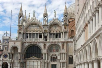Tour Inside Venice (Doge's Palace Skip The Line + Golden Basilica Skip The Line + Ticket To Old Royal Palace)