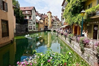 """Annecy city tour """"the Venice of the Alps"""""""