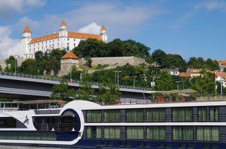 Day Trip to Bratislava from Vienna by Bus and Boat