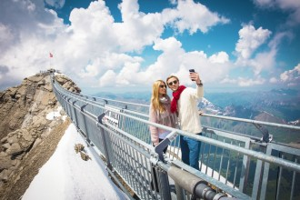 Day trip to Glacier 3000 and Montreux from Geneva