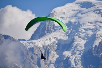 Day trip to Chamonix Mont Blanc, Aiguille du Midi cable car and paragliding from Geneva