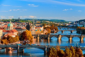 Prague City Tour with Cruise and Lunch