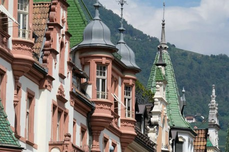 Bolzano City Tour with Private Guide available 2 hours