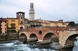 Verona and Lake Garda Tour by bus