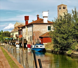The Marvelous Islands Of Lagoon: Murano, Burano and Torcello Self-guided Tour