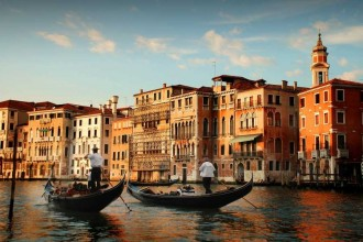 The Spirit Of Tradition: Centuries Of Velvets In a Wonderful Palace Of The Grand Canal