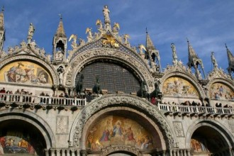 Venice Unique Experience: Grand Canal Guided Tour By Gondola And Lunch