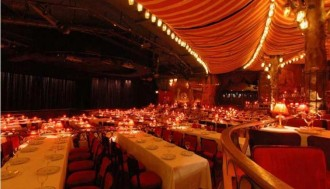 Dinner and Show at the Moulin Rouge with transport