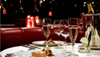 Dinner Show at the Lido de Paris with Champagne - Pickup & Drop off Hotel