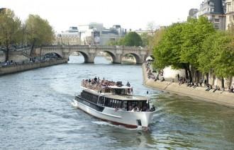 Paris Vedette Cruise y Gourmand