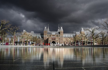 Rijksmuseum Fast Track and 1hr Canal Cruise