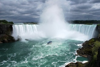5 Days tour to Niagara Falls, Toronto, 1000 Islands, Philadelphia, Washington and the Amish Country from New York