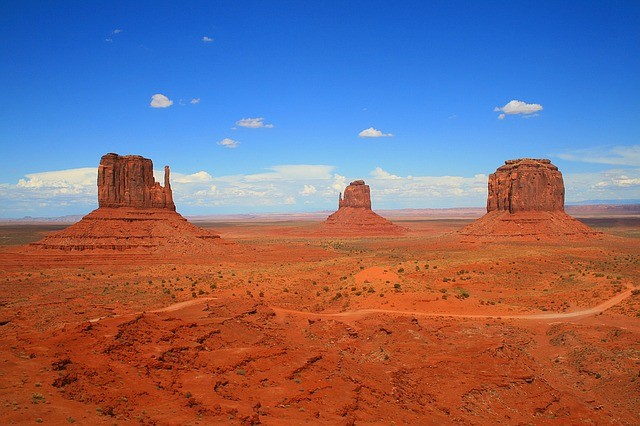 5 Days Tour to Las Vegas, Hoover Dam, Sedona, Monument Valley, Horseshoe Bend and Antelope Canyon from Los Angeles