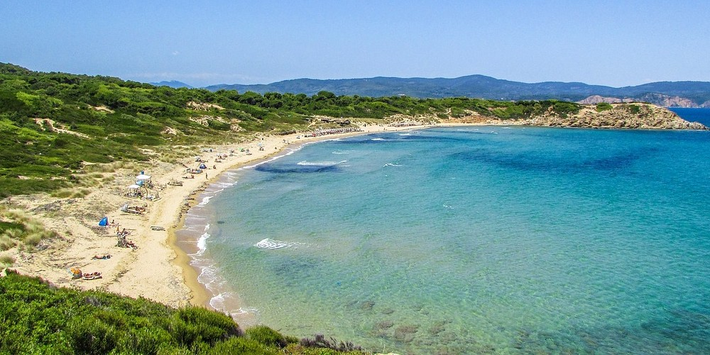 Skiathos to admire the beauties of Greece with children